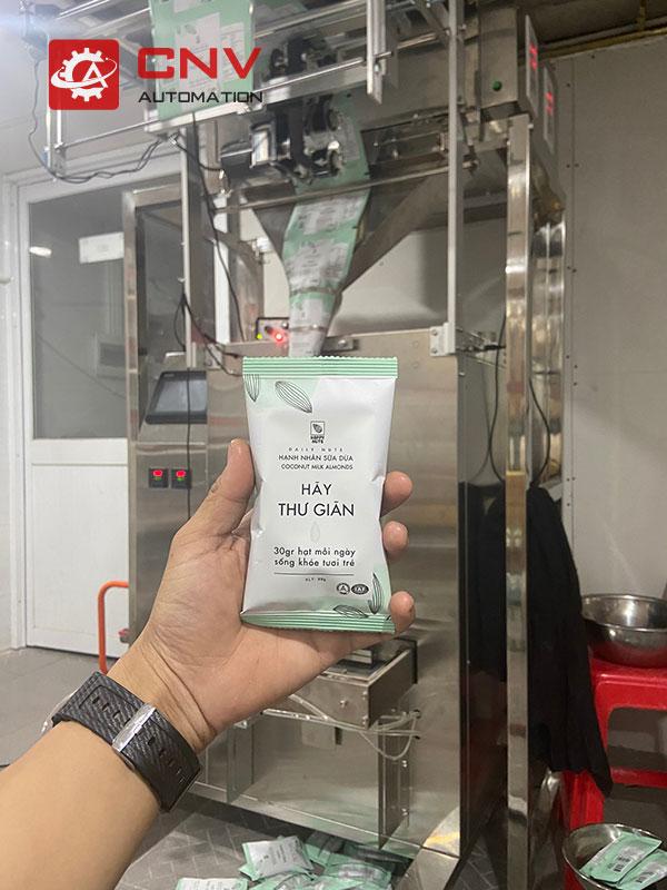 máy đóng gói tự động hạt dinh dưỡng